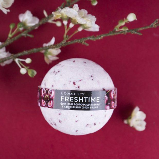 Lcosmetics freshtime фруктовая бомбочка для ванны с соком вишни, 170 гр