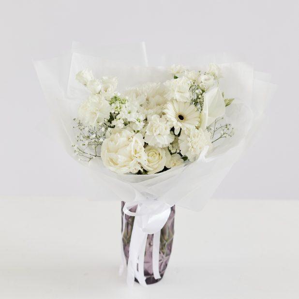 Букет микс из белых цветов